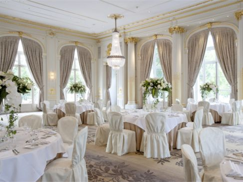 salle de mariage du trianon palace versailles