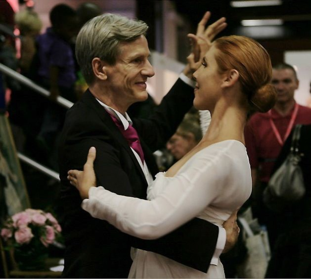 marc reed professeur de danse pour apprendre la valse de votre bal du mariage