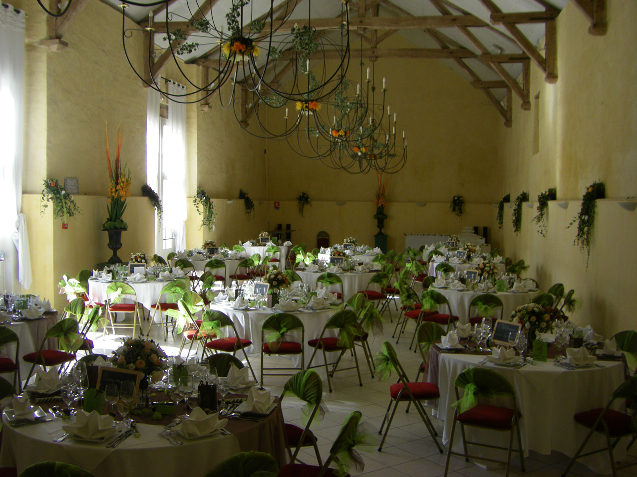 prieure-de-voulton-salle-de-mariage-77-seine-et-marne-facade-exterieure-millemariages