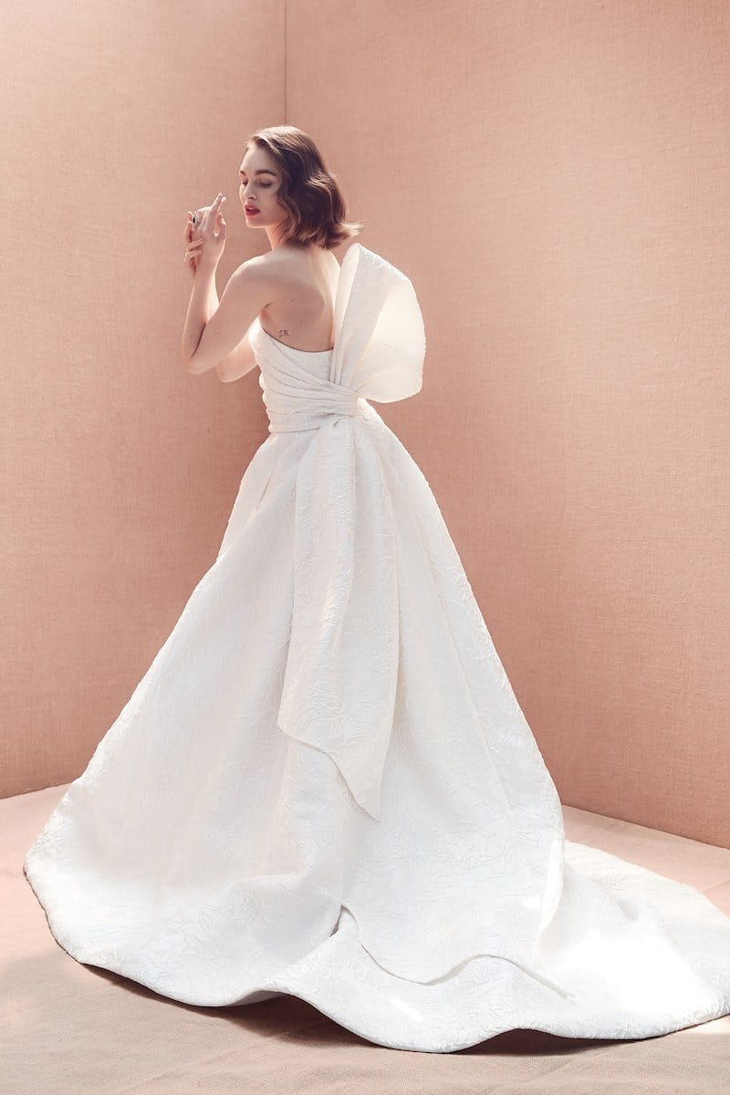 robe-de-marie-oscar-de-la-renta-collection-mariage-2020-millemariages-3