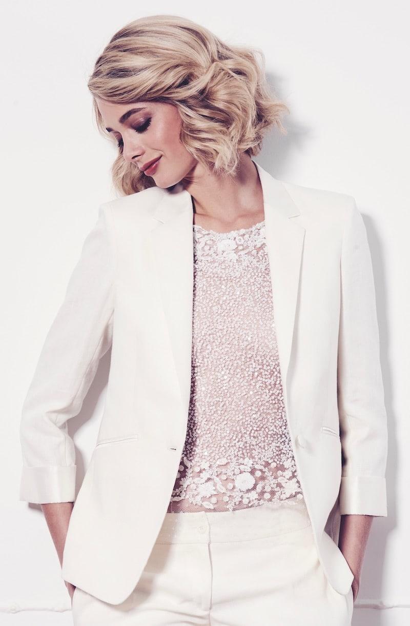 robe-de-mariee-fanny-liautard-blouse-de-dentelle-et-tailleur-de-lin-blanc-millemariages