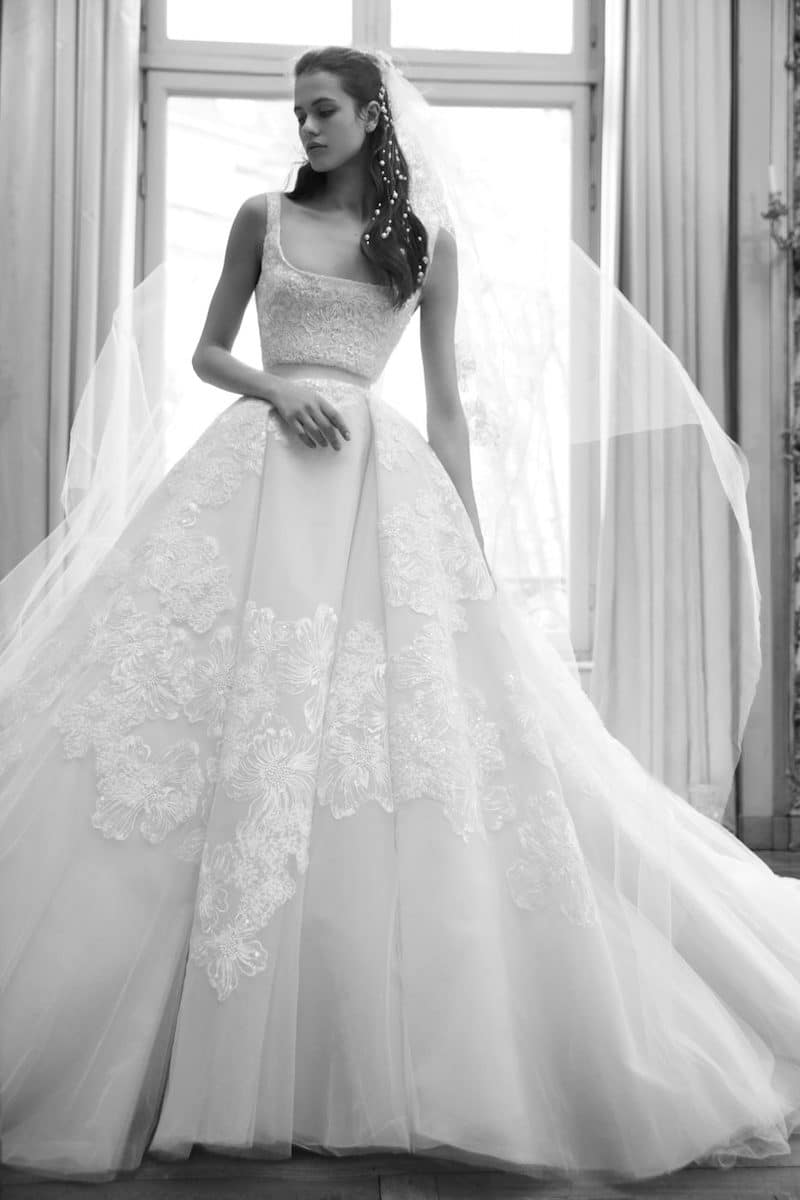 robe de mariée princesse Elie Saab pour le bal de Vienne collection mariage Mille Mariages robe n°19 dentelle de calais