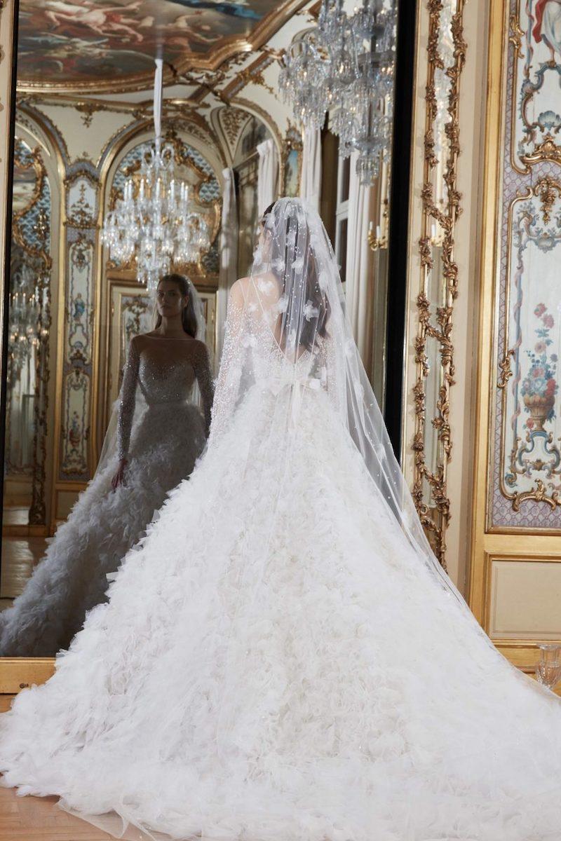 robe de mariée princesse Elie Saab pour le bal de Vienne collection mariage Mille Mariages robe n°20 voile fleurs de dentelle