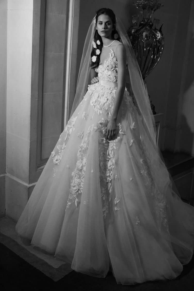 robe de mariée princesse Elie Saab pour le bal de Vienne collection mariage Mille Mariages robe n°23 juponnée dentelle de chantilly