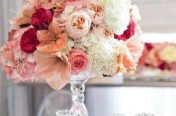 fleur de mariage centre de table blanc saumonné