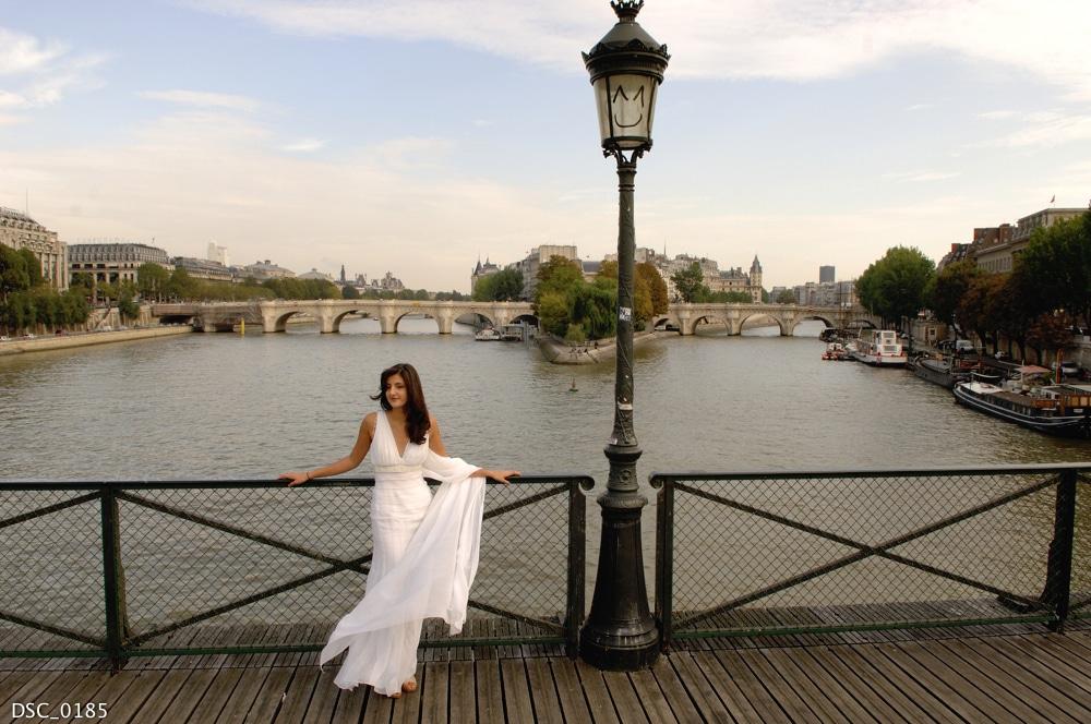 Maryam Nandar au pont des arts
